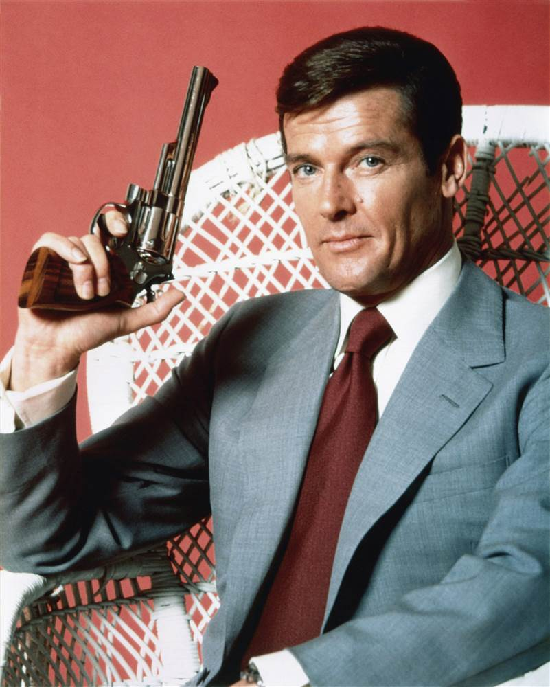 170523-roger-moore-james-bond-njs-933a_fffc1678866031c232985e1470d88447.nbcnews-ux-2880-1000